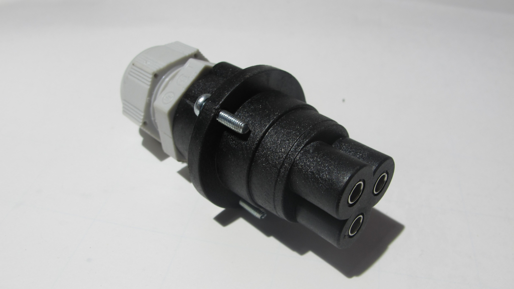 3 poliger Elektrostecker Faster dreipoliger Elektrostecker Faster